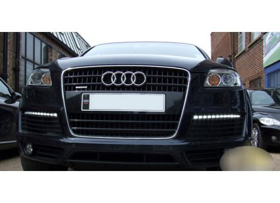ДХО для Audi Q7 2006-2009г. с поворотниками (фото)