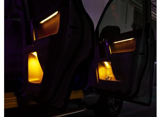 Подсветка салона со штатной кнопкой для Toyota Land Cruiser Prado 150 2009-по н.в. (фото)