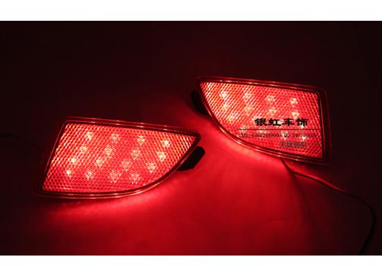 Задние габариты + доп. стоп сигналы Mazda 3 III хэтчбек 2013 - 2016. Тайвань