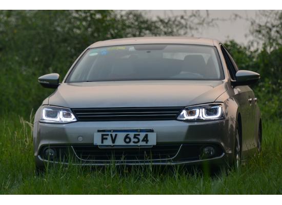 Фары для Volkswagen Jetta 6 Вариант 5 (фото)