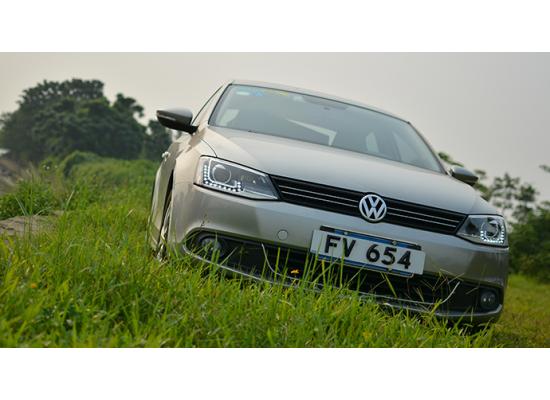 Фары для Volkswagen Jetta 6 Вариант 7 (фото)