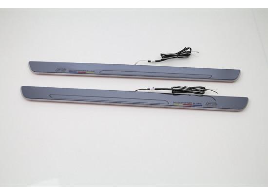 Накладки на пороги LED для Volkswagen Golf7 (фото)