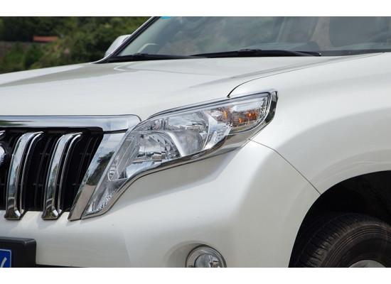 Хромированные накладки на оптику Toyota Land Cruiser Prado 150 рестайлинг 1 и 2 2013-по н.в. (фото)