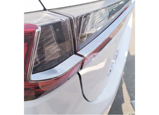 Хромированные накладки на задние фонари для Lexus RX 4 2015-н.в. (фото)