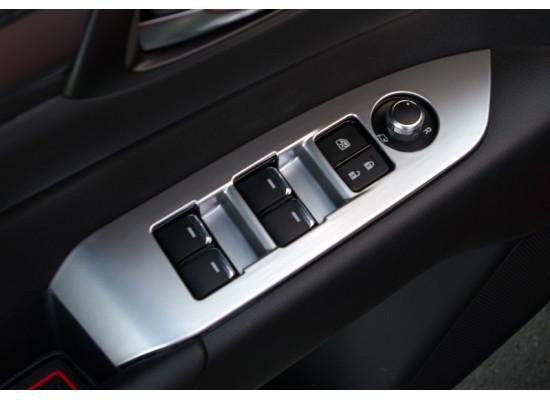 Накладки на панели открывания окон для Mazda CX-5 2017-н.в. (фото)