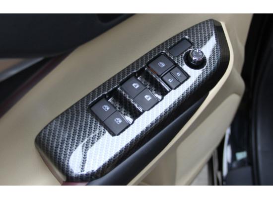 Карбоновые накладки на панели стеклоподъемников для Toyota Highlander 3 2016-н.в. (фото)