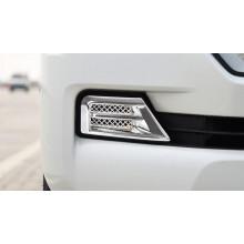 Накладки на передние противотуманки для Toyota Land Cruiser 200 Рестайлинг 2 2015-н.в. (фото)