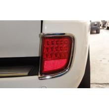 Накладки на задние противотуманки для Toyota Land Cruiser 200 Рестайлинг 1 2012-15 (фото)