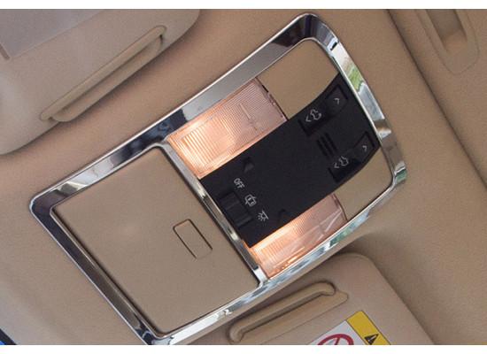 Хромированная накладка на панель освещения салона для Toyota Land Cruiser Prado 2009-по н.в (фото)